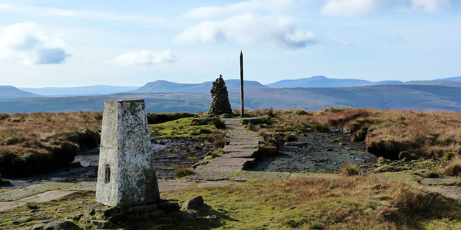 Buckden Pike summit to west